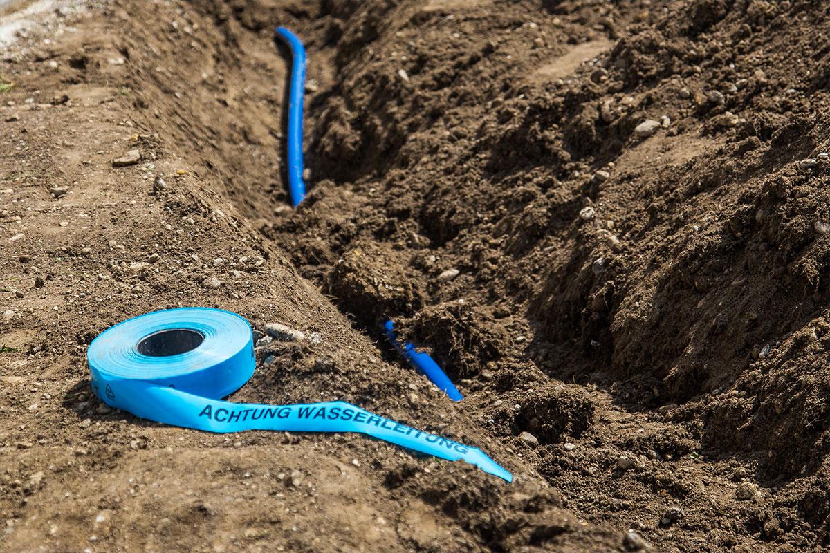 Gartenwasser, Gartenbewässerung, Bewässerung im Garten, Rasenbewässerung, Rasenberegnung